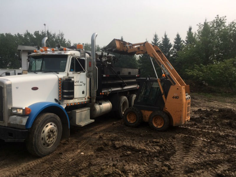 02-landscaping_bobcat_services_snow_removal_top_soil_alberta_parkland_county