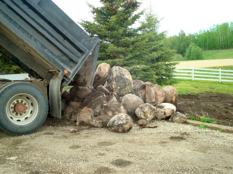 03-landscaping_bobcat_services_snow_removal_top_soil_alberta_parkland_county